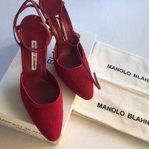 MANOLO BLAHNIK Momo Ankle-Strap Sandals